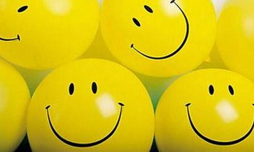 学会微笑的英语作文200词